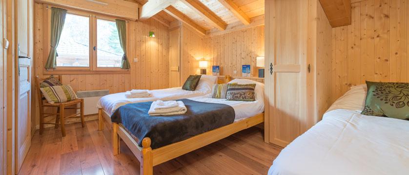 France_Morzine_Chalet-Nomis_Triple-bedroom.jpg
